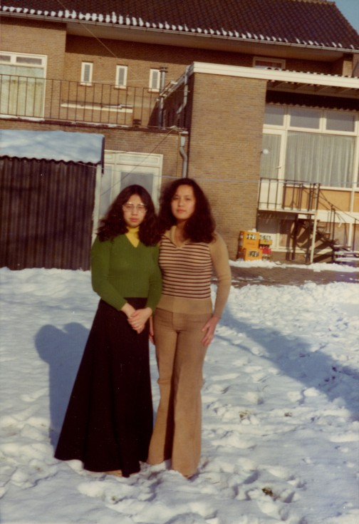 Sisters-Hong-Kong-Someren-Seventies-01